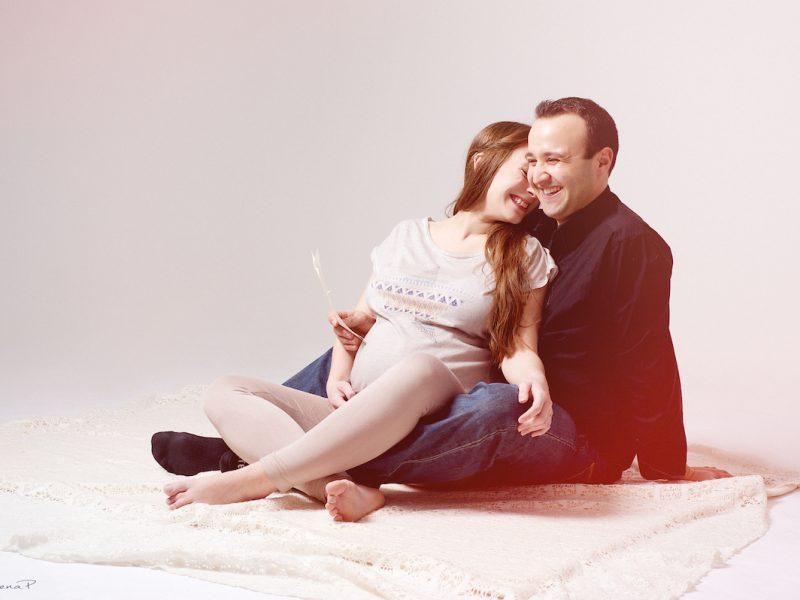 photographe, portrait, Paris, studio, couple, grossesse, femme enceinte, maternity session, beloved session, portrait de couple, portrait de femme enceinte